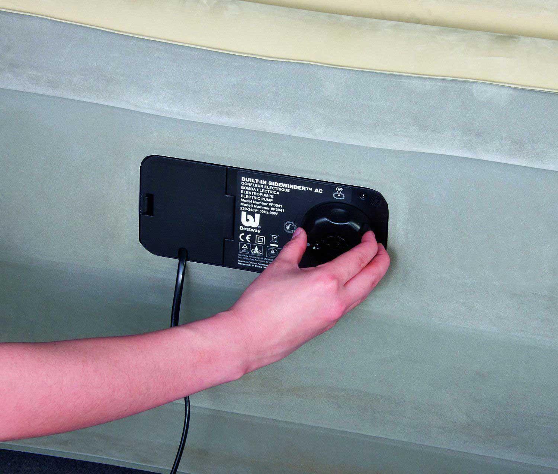 67486 Надувная кровать FoamTop Comfort Raised Airbed(Queen) Bestway 203х152х46см со встроенным насосом