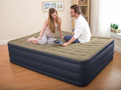 67710 Надувная кровать Intex Plush Bed 152х203х46см со встроенным насосом