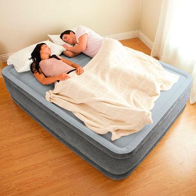 64418 Надувная кровать двуспальная с встроенным насосом Intex (152х203х56)